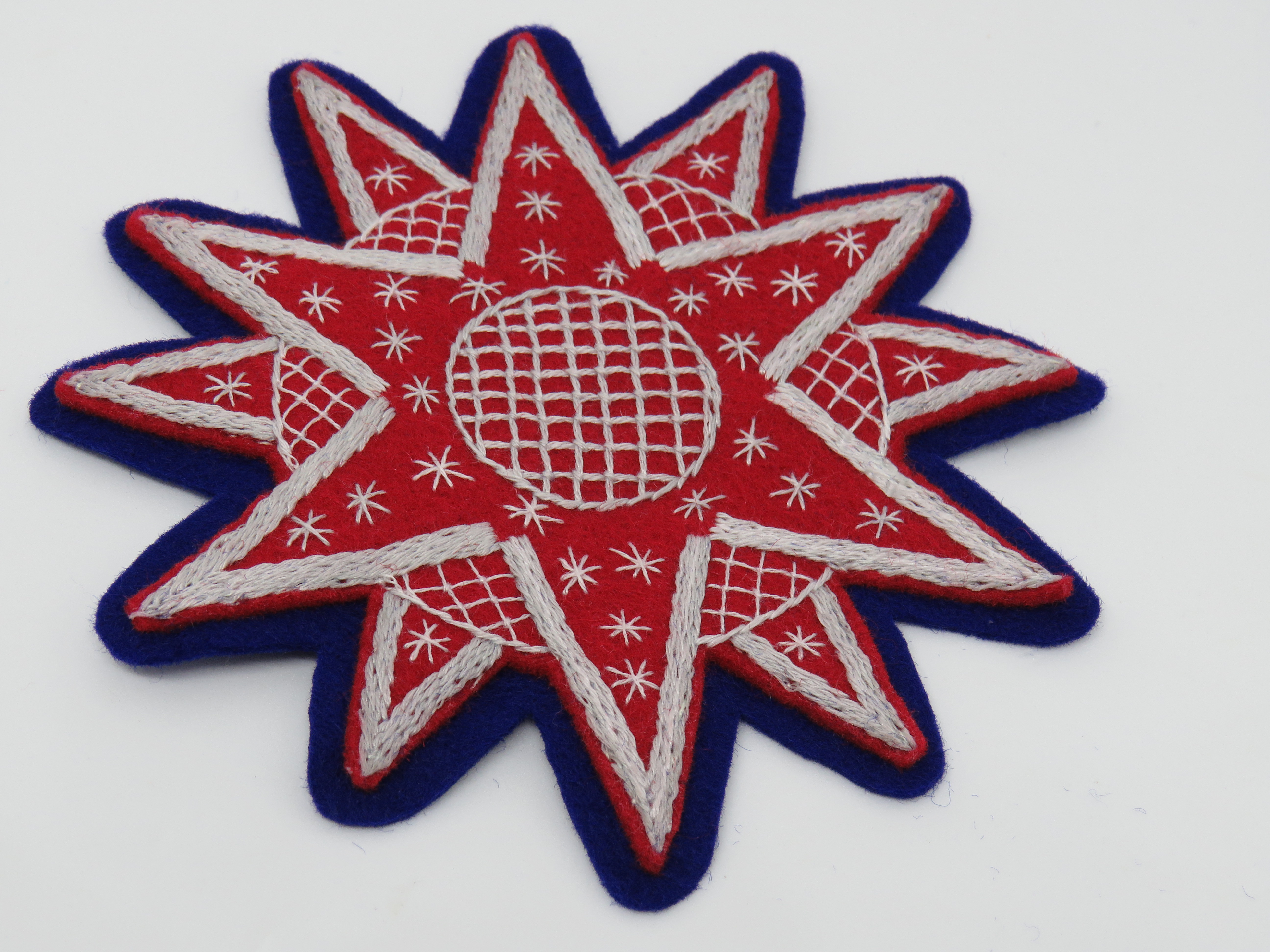 red star Christmas embroidery pattern